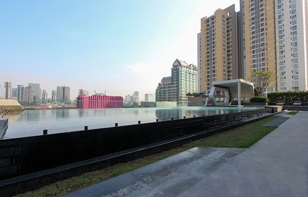 supalai-premier-asoke-bangkok-condo-for-sale-swimming-pool-5